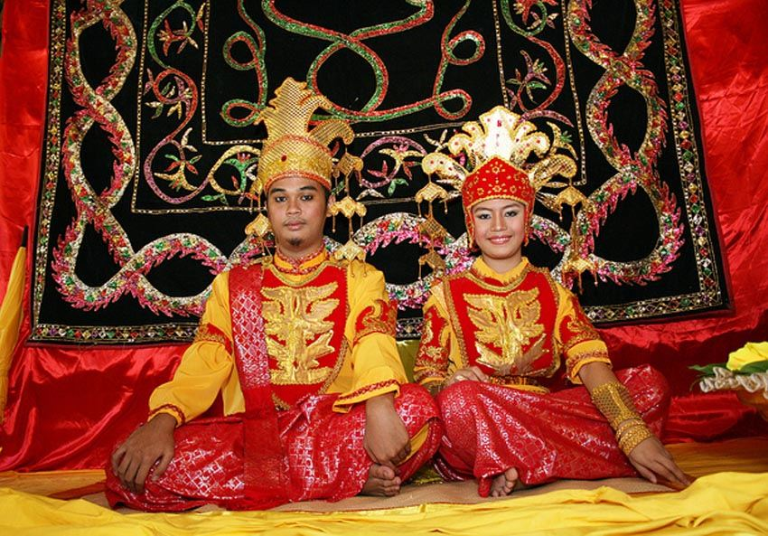 Interesting Wedding Traditions Borneo