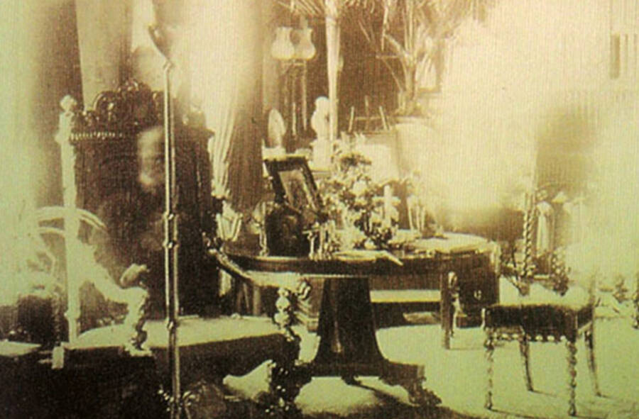 Lord Combermere Ghost Photograph