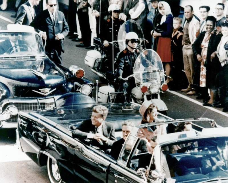 Minutes Before Kennedy Assassination
