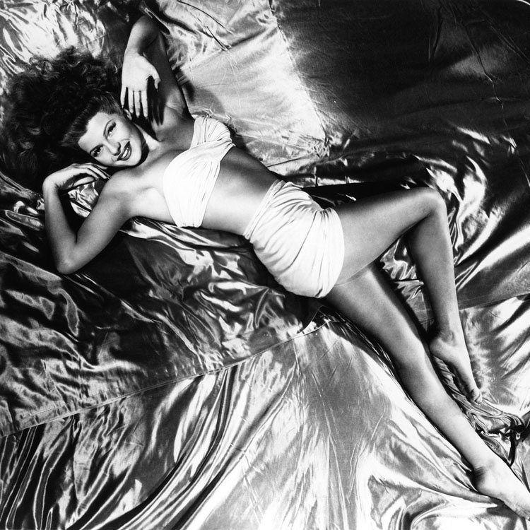 Rita Hayworth Bw
