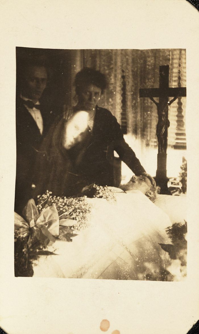 Spirit Photography Of Victorian England