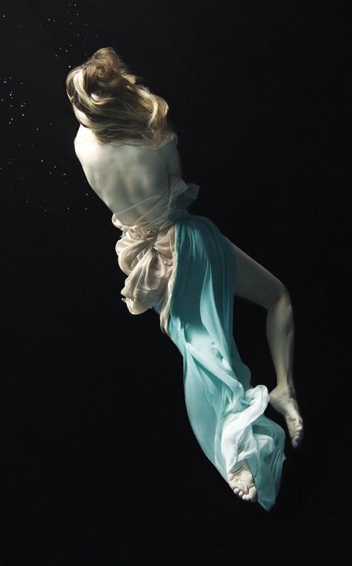 Nadia Moro Underwater