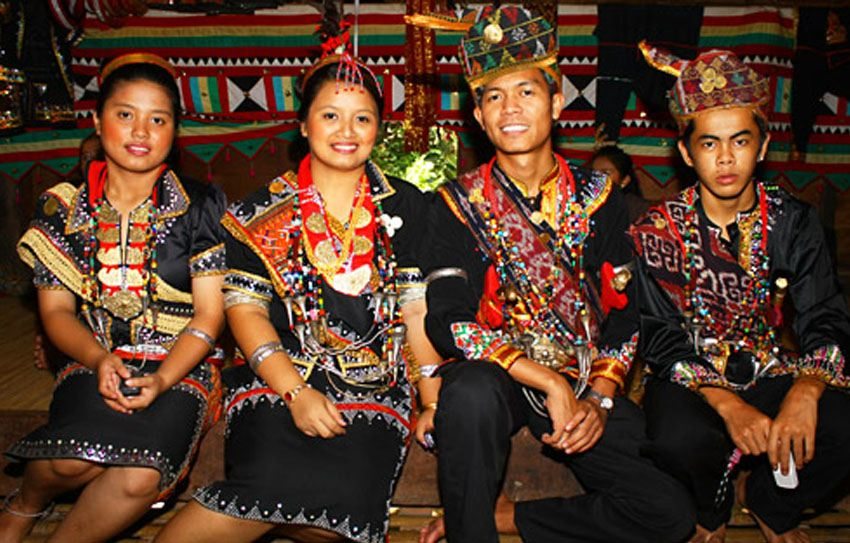 Tidong Wedding Tradition Couples