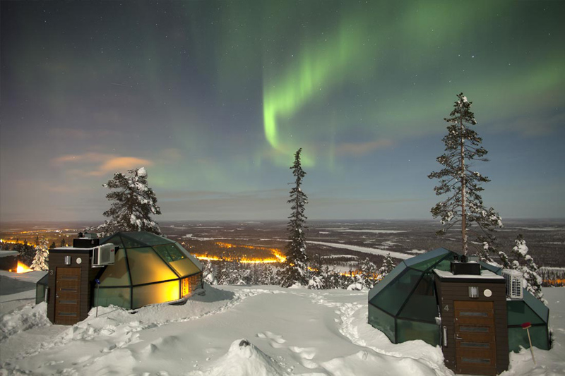 Igloo Village Aurora Borealis