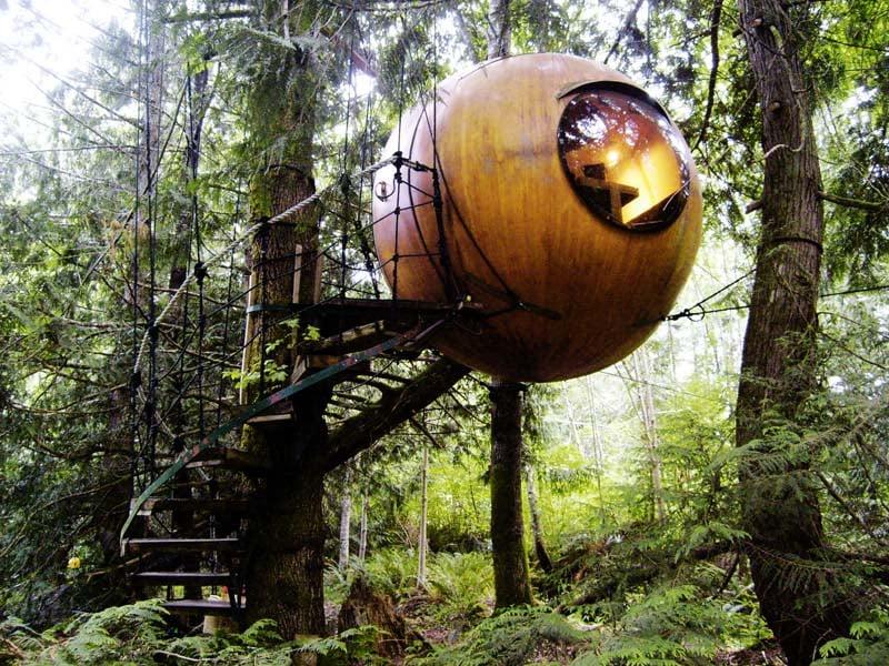 Free Spirit Spheres Floating Eye