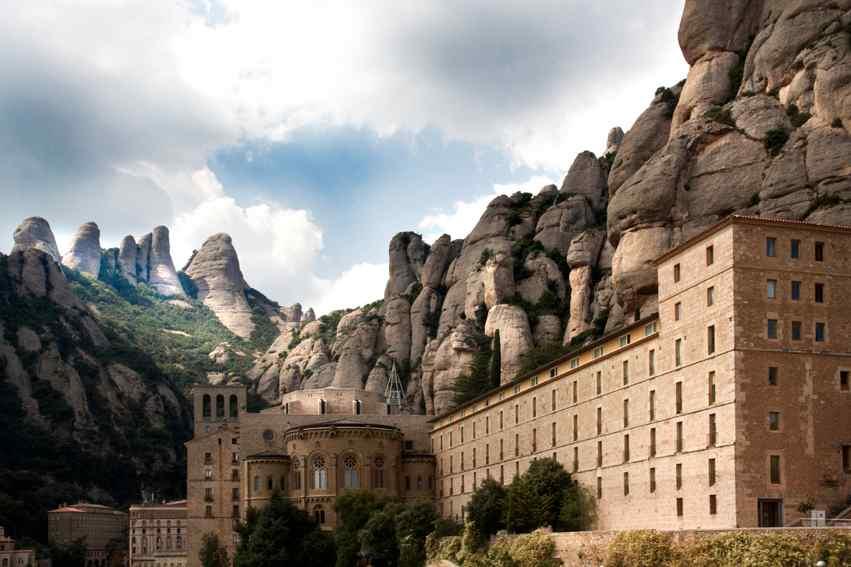 Santa María De Montserrat, Catalonia's Nationalist Treasure