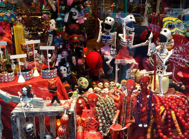 Interesting Parades Day Of The Dead Figurines