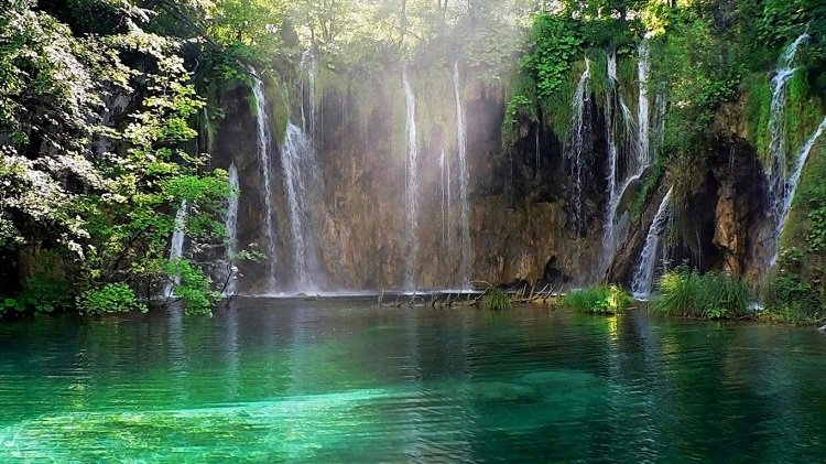 Beautiful Waterfalls Plitvice Lakes National Park