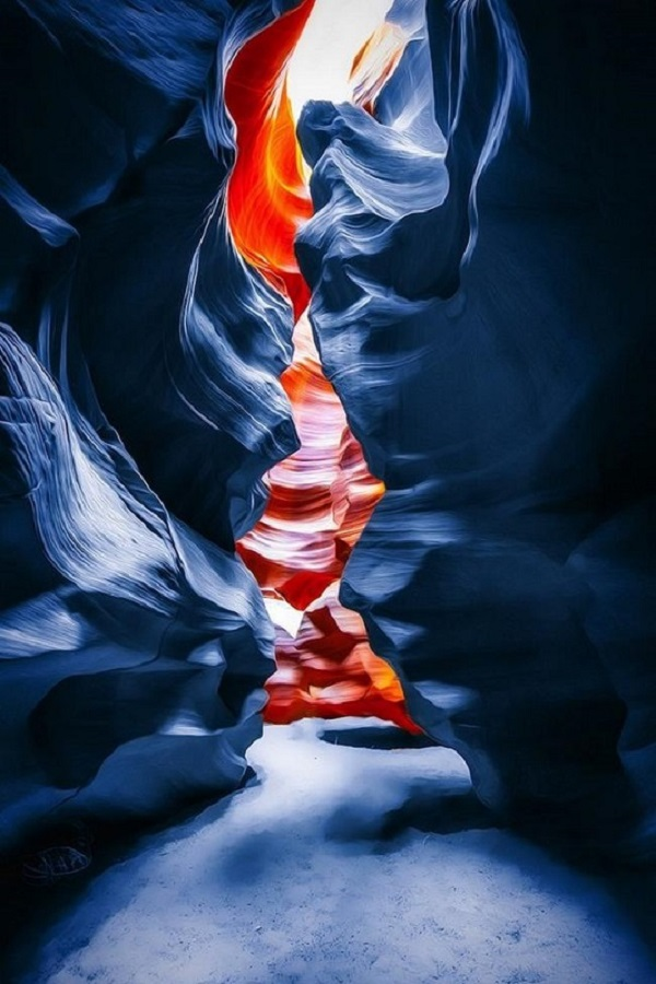 Antelope Canyon in Blue