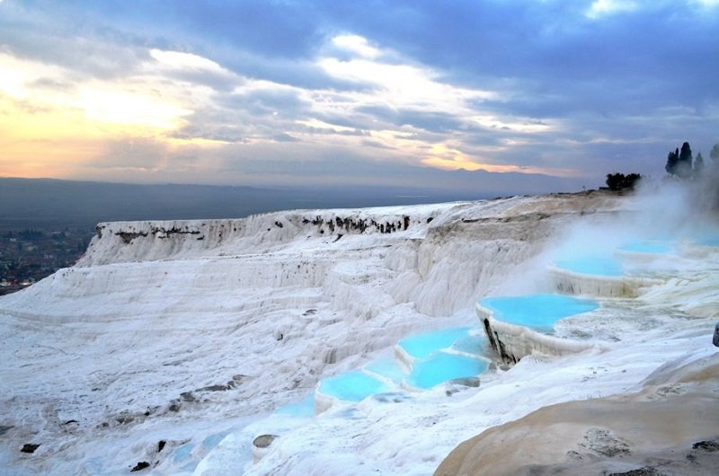 Surreal Places Pamukkale, Turkey