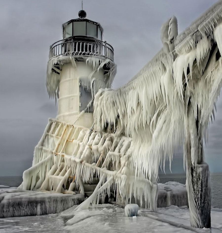 Lighthouses Icy Bridge