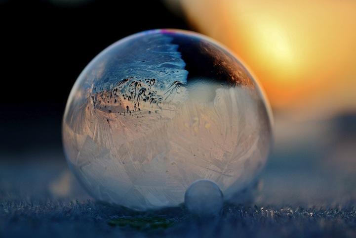 Frozen Bubbles Blue