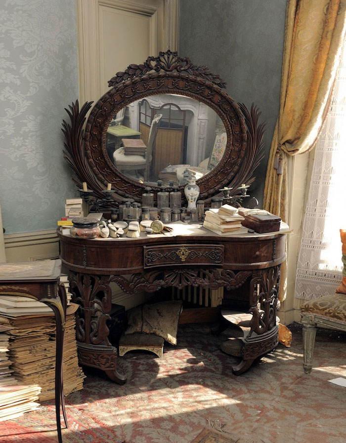 Time Capsule Mirror