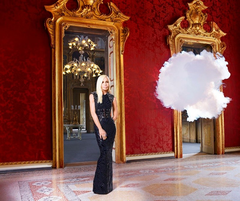 Model Poses With Indoor Cloud