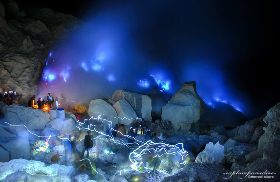 Kawah Ijen Light Trails