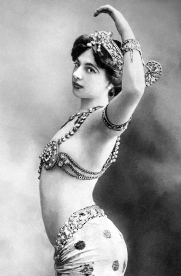 Famous Spies Mata Hari Pose