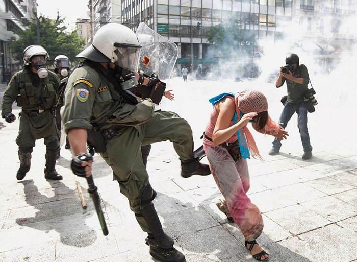 World Leader Pranks Riot Police