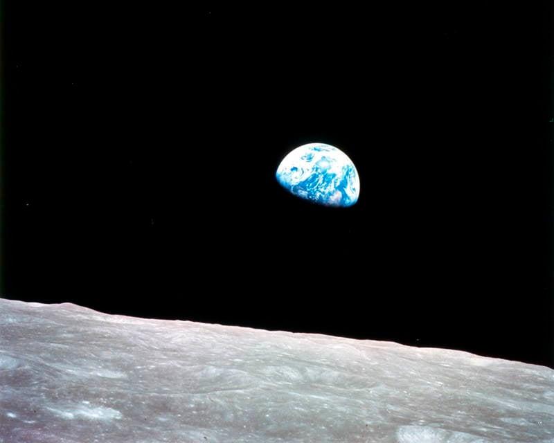 Earthrise 1968 Image
