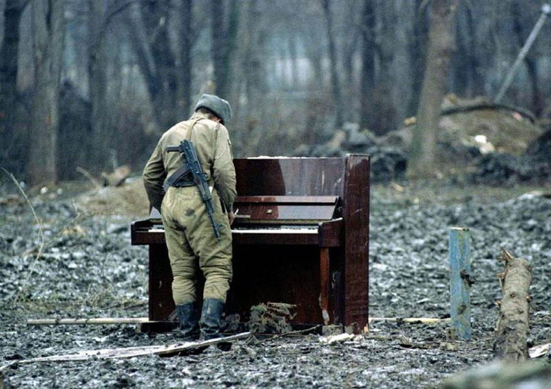 Russian Soldier Plays Piano In Chechnya