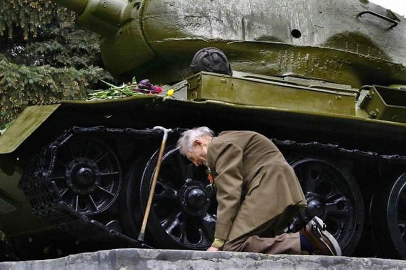 Russian Veteran Cries
