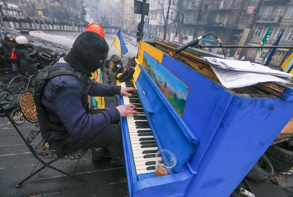 Playing Piano During Ukraine Revolution