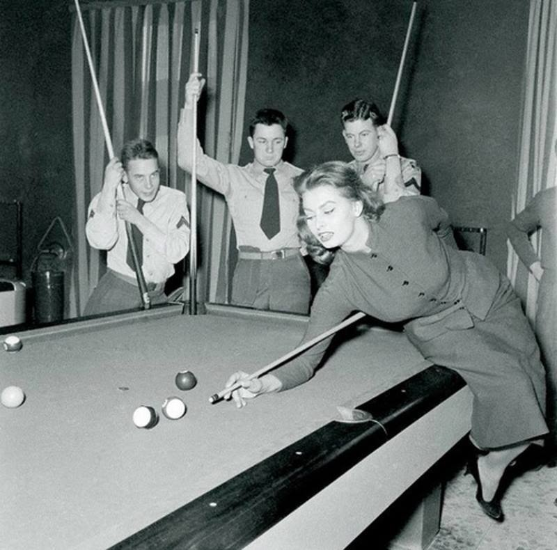 Sophia Loren Playing Pool