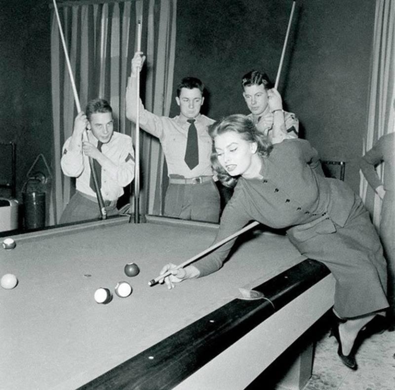 Sophia Loren Playing Pool
