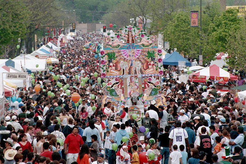 Huge cinco de mayo Parade