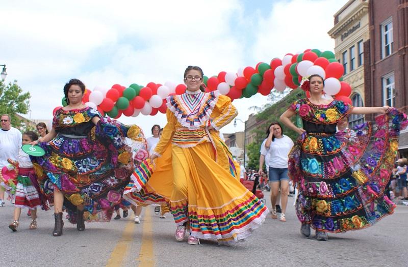 Omaha Parade for Cinco de Mayo