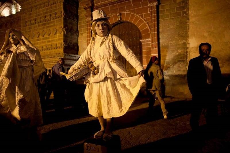 Holy Week Living Statues in Peru