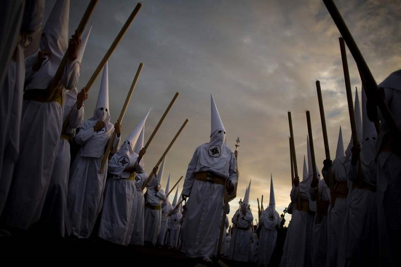 Penitents in White