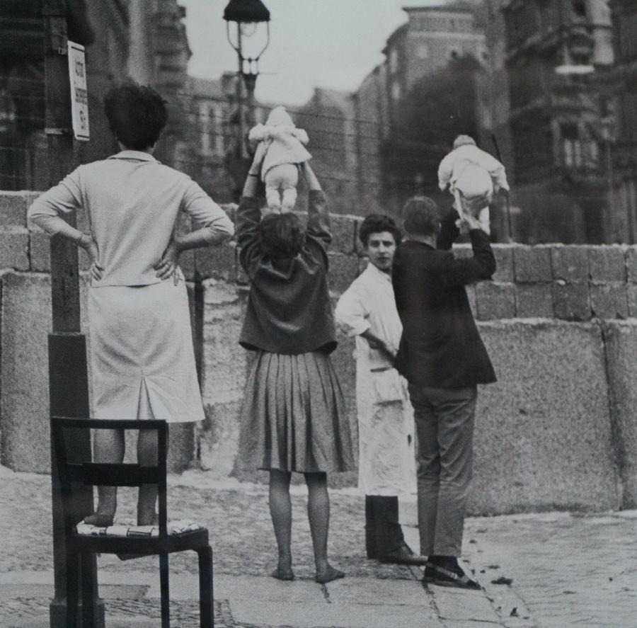 West Berliners East Berliners 1961