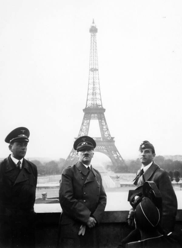 Bizarre Photos Hitler Paris