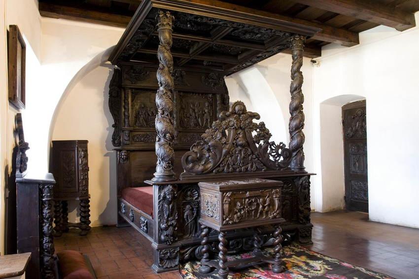 Dracula Pad Bed