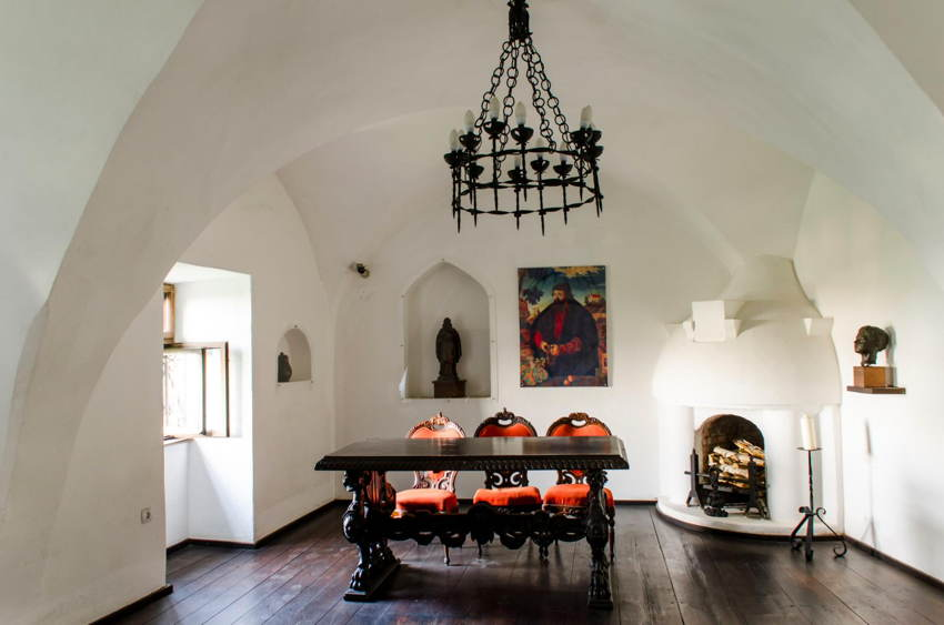 Dracula Pad Dining Room