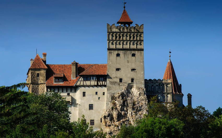 Dracula Pad Exterior