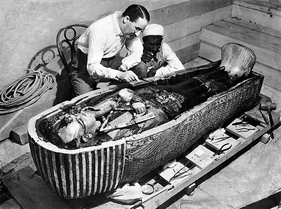 Bizarre Photos History Tuts Tomb Opened