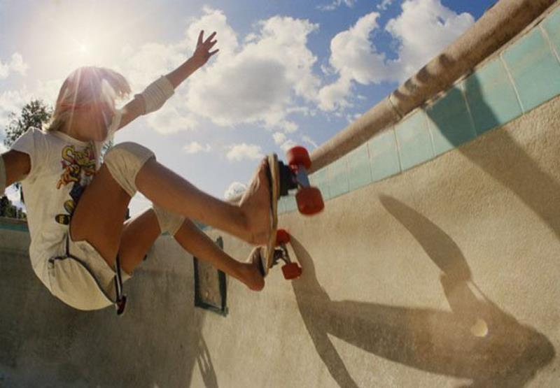 Pictures Of Female Skateboarders