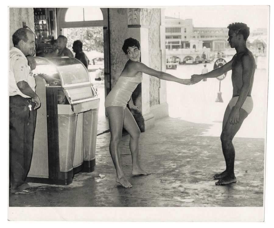 Vintage Cuba Teenagers