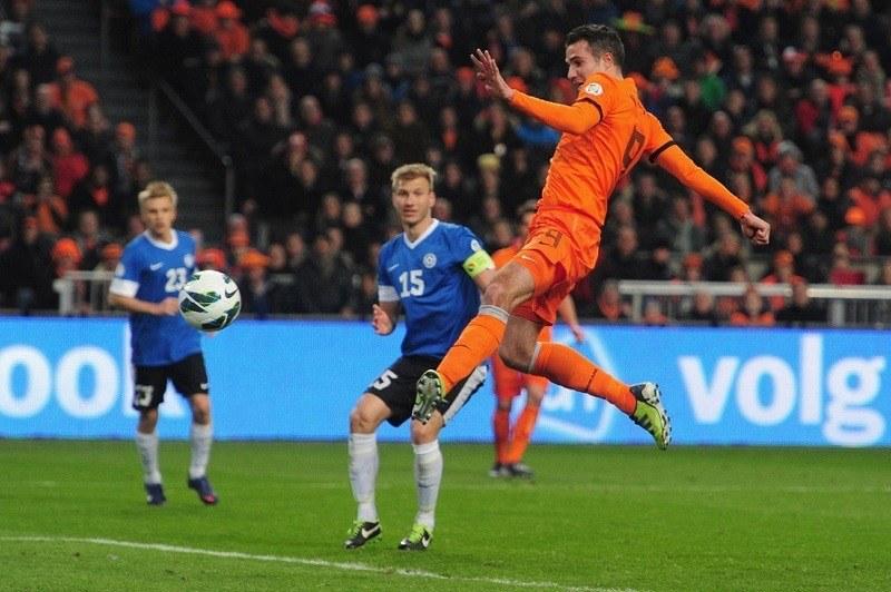 Netherlands Destroys Spain World Cup 2014