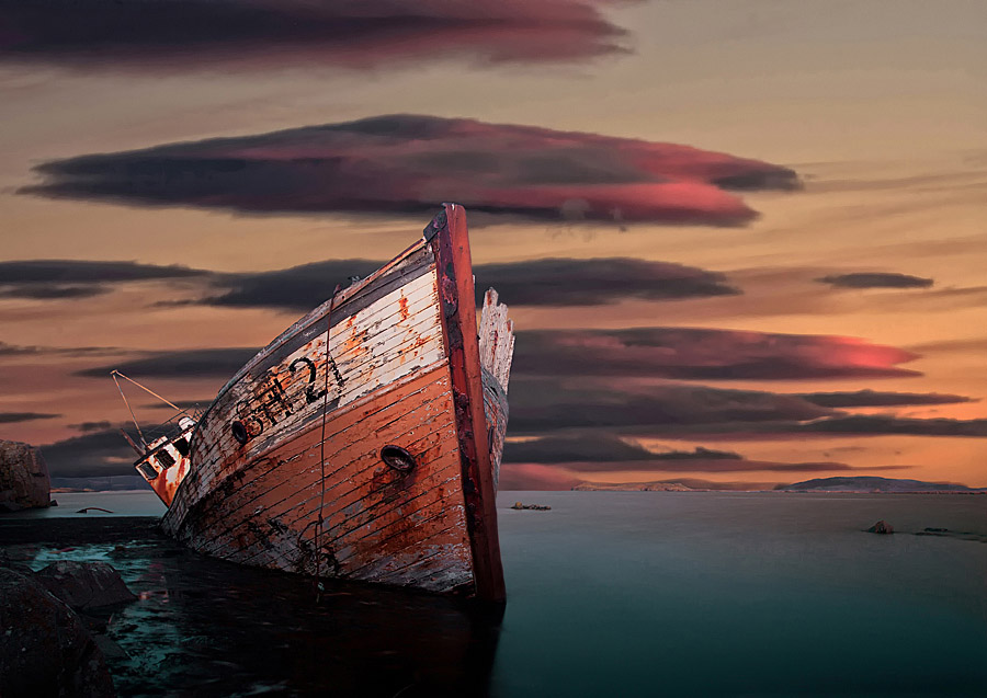 Abandoned Iceland SE21 Boat