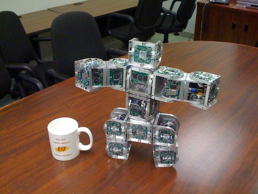 Self Reconfiguration Robot