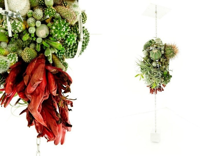 Flower Artists Creates Arrangements