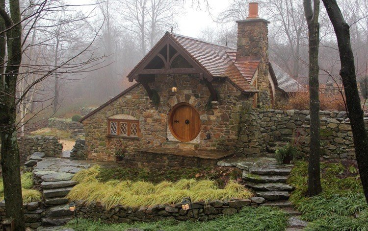 Hobbit Home Misty Brick