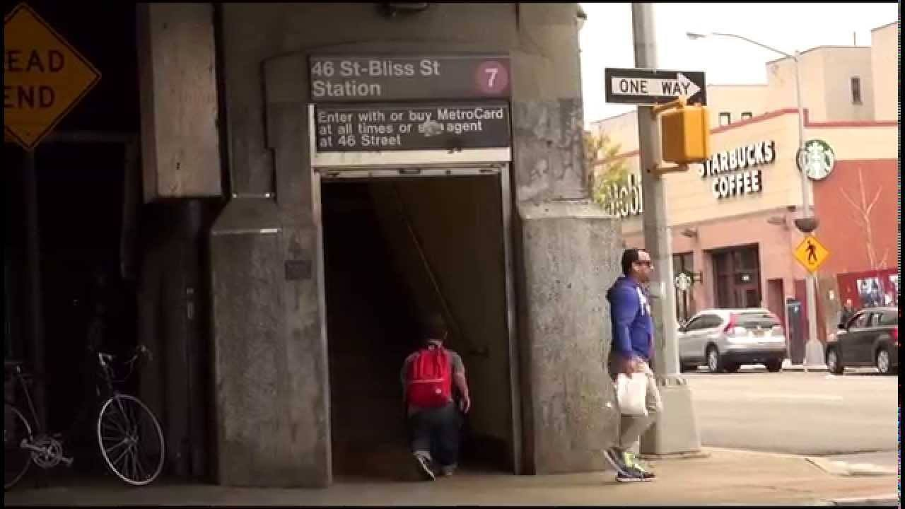 A Dwarf Documents His Life And Interactions With Others In New York City