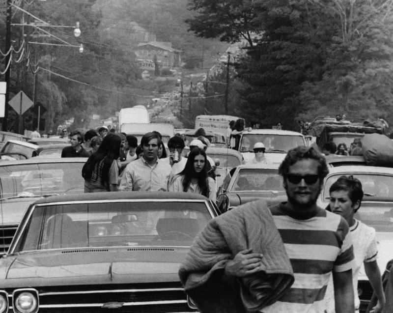 Abandoning Cars On The Way To Woodstock
