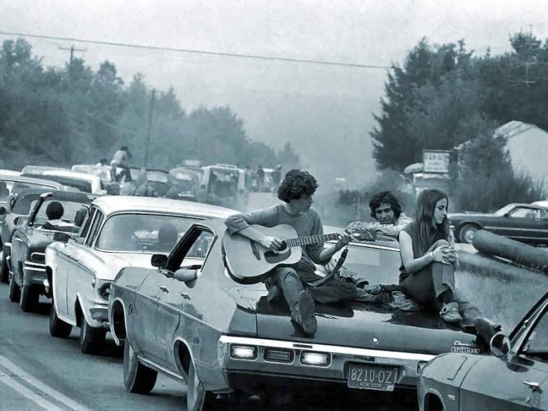 46 Years Ago Today, 500,000 People Descended On A Farm For The Greatest Music Festival Of All Time On-the-way-to-woodstock-1969