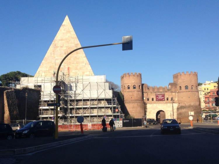 Roman Pyramids