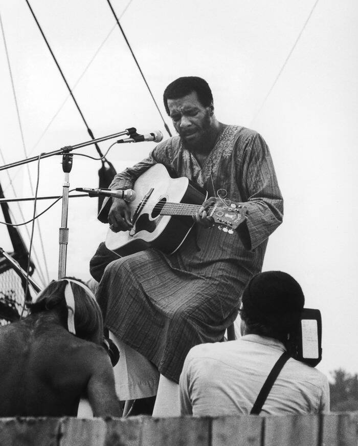 Richie Havens Opens Woodstock Festival 1969