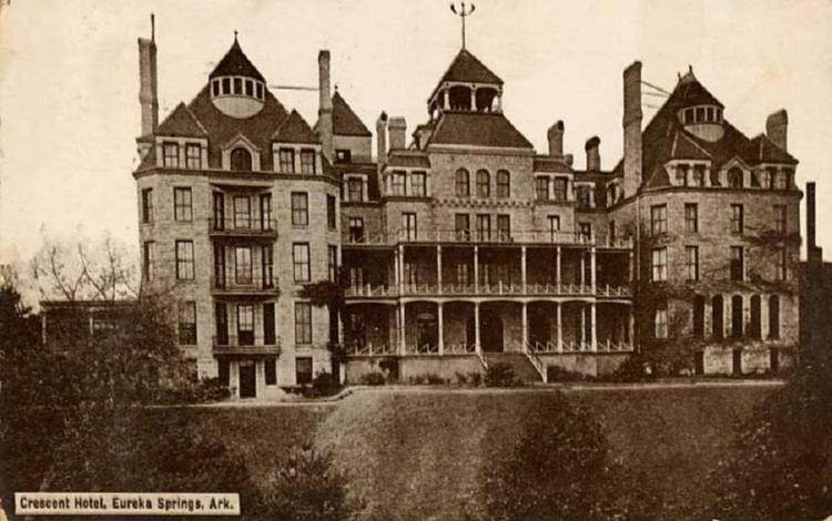 Spookiest Hotels Crescent Old